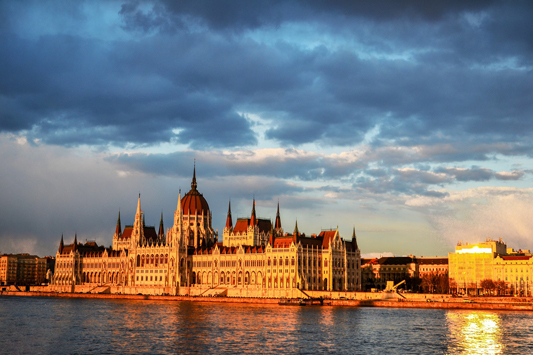 Individual walking tour in Budapest - Houses of Parlament